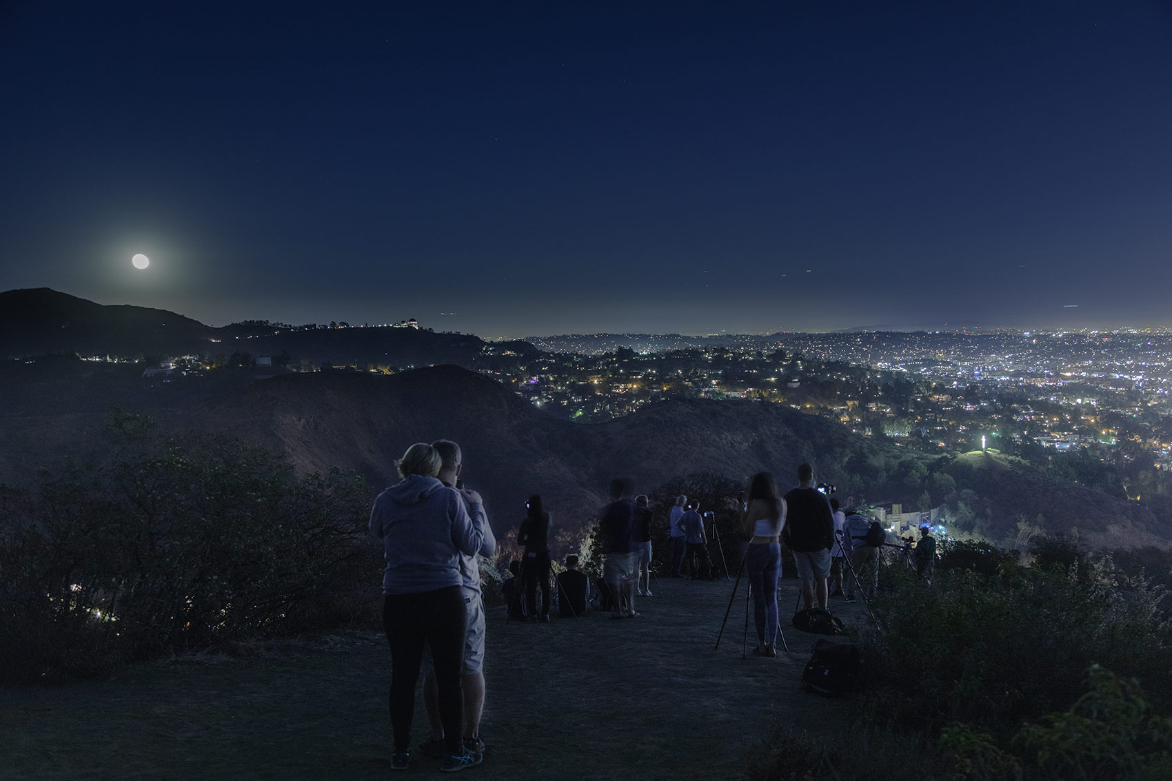 Super Moon in Los Angeles from the Hollywood Hills Vista Point