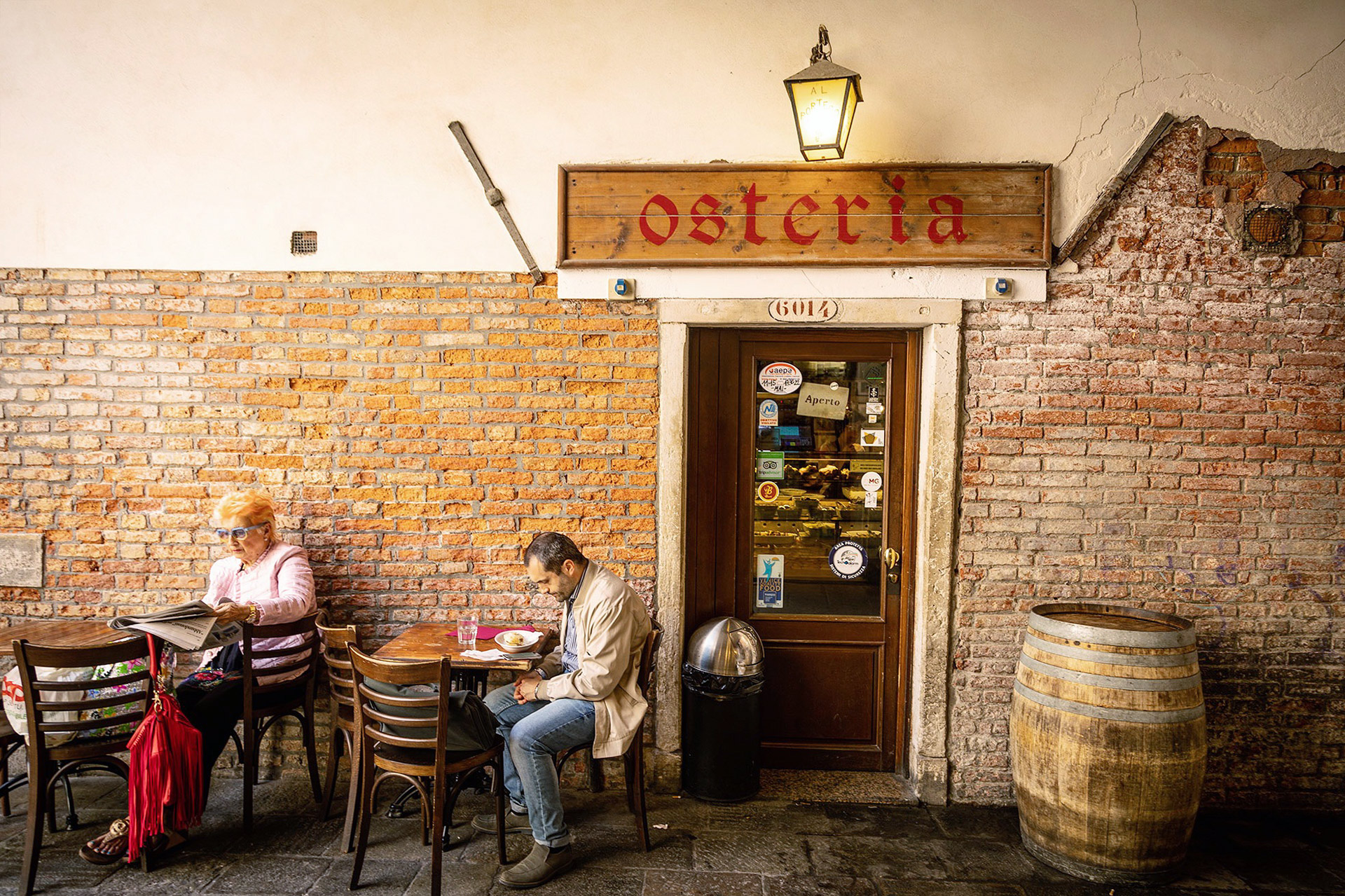 Osteria in Venezia with locals